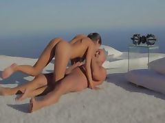 Beautiful lovers sexing by the ocean tube porn video