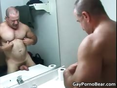 Gratis homo bears fucks and sucks stiff tube porn video