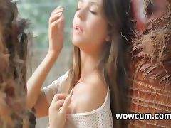Teen beauty showing hot assets outdoor tube porn video