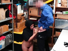 Petite vs plump xxx Suspect was dressed suspiciously and see tube porn video