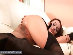 Teen in pantyhose oils bald pussy tube porn video