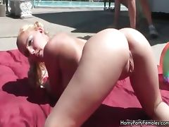 Sexy blonde babe gets horny showing off part2 tube porn video