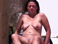 Amateurs Nude Beach Females Close-Up Compilation Video