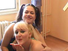 Deepthoat blowjob by two german girls tube porn video