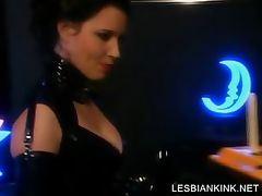 Slave in latex gets her lesbo cunt dildoed tube porn video