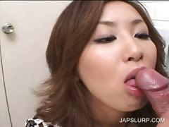 Horny asian mouth fucks hairy shaft tube porn video