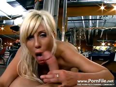 A Milf Work Out with Puma Sweede