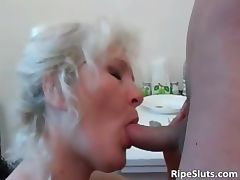 Horny mature blonde slut bends over gets part2