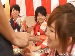 Japanese geisha gets mouth fingered