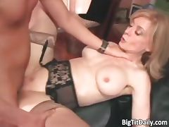 Sexy blonde MILF with big tits seduced part5