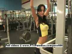 Luna Tender Amateur Girl Flashing At Gym