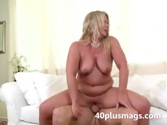 Plump blonde MILF Susan B tube porn video