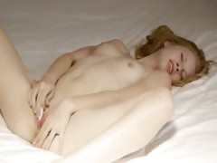 Beauty with petite tits masturbate pussy tube porn video