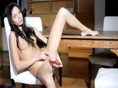 Luxury bony body and pussy rubbing tube porn video