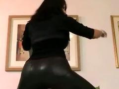 Teen amateur slut stripping tube porn video