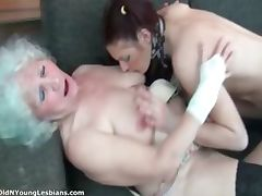 Dirty old woman gets her wet pussy part4