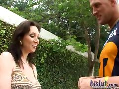 Rayveness has big boobs