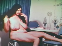 Plump Girl is a Skillful and Sexy Stripper 1960 porn tube video