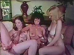 3 Busty Hairy Girls the Lesbian Way 1970 tube porn video