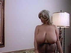 World's Biggest Boobs are a Lethal Weapon 1970 tube porn video