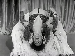 Exotic Burlesque Dancer Shakes Contents of Bra 1940 tube porn video