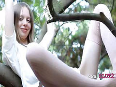 Beautiful skinny princess Gloria opening tube porn video