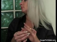 Unfaitful Cougar Wife in Action tube porn video