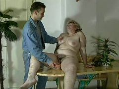GRANNY AWARD n16 bbw hairy mature with a young man tube porn video
