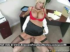 Gorgeous blonde slut at work gets a blowjob
