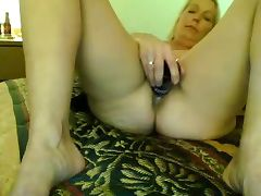 HUBBYS WATCHNG THEIR WIVES PLAYING BY NWST 4 OF tube porn video