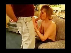 Mature Woman Amateur Sex Tape Short haired mature amateur talks sucks and takes cumshot in this horn