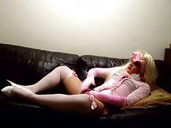 Masked Crossdresser wanking on sofa tube porn video