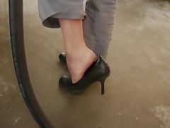 babysitter show her feet tube porn video