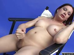 Sexy Transsexual Babe Yadi A Gives Herself a Handjob porn tube video