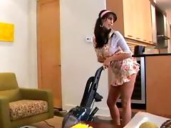 Lovely Babe Jaime Hammer is a Super Sexy Housewife