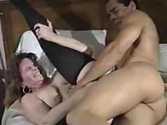 Horny brunette mature nailed in hairy box tube porn video