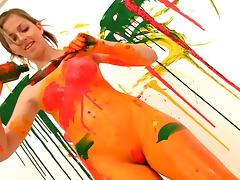 Teen paints her body all kinds of colors tube porn video