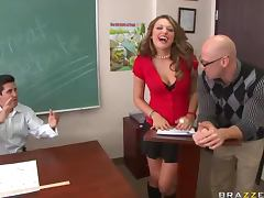 Sexy Brunette With Sex Natural Tits Gets Fucked By One Of Classmates
