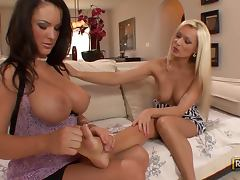 Jenna Presley and Diana Doll get one Kinky Session
