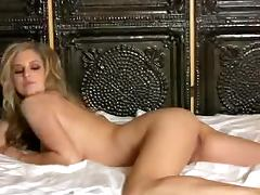 Luxurious Jenny McClain shakes her boobs porn tube video