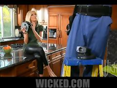 Heart Stopping Blonde MILF Diana Doll Gets Fucked In The Kitchen tube porn video