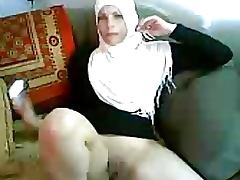 Lustful Amateur Arab MILF Sucks Cock and Gets Her Pussy Eaten and Fucked tube porn video