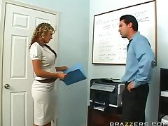Hot Blonde Nikki Sexx Gets Her Just Deserter After Photocopying Her Body