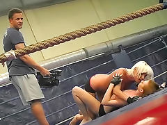 Sexy fighter Sandra Seashell is licking her angel's kitty after fight