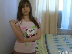 Curvy teen shaved pussy
