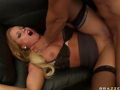 Nikki Delano has sizzling body tube porn video
