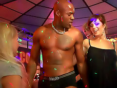 Hard body strippers play with ladies porn tube video