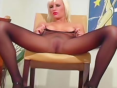 Pink lipstick on this pantyhose tease girl tube porn video