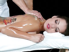 Fucking oiled up hottie Yurizan Beltran tube porn video