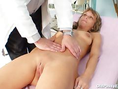 Slender mature has pussy exam tube porn video